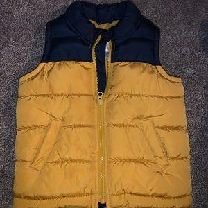 Boys size 3 puffer vest